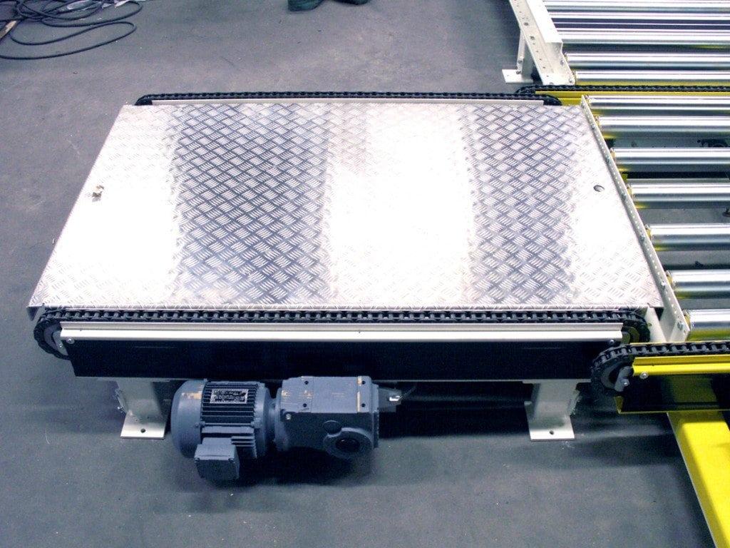 MH Modules PA1500 Kedjetransportör med durkplåt mellan kedjesträngar