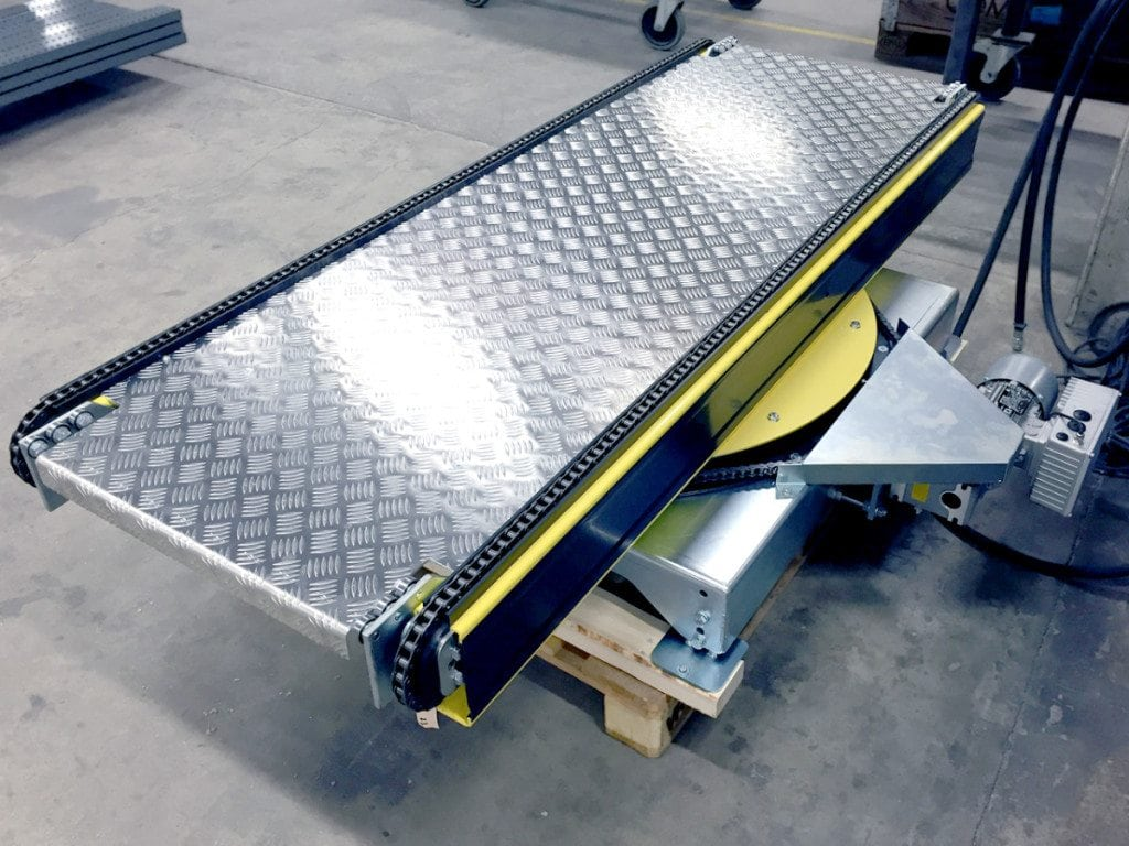 MH Modules PA1500 Turntable With Chain Conveyor